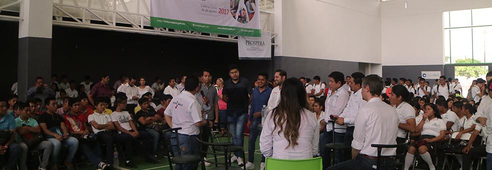 ESTUDIANTES Y EGRESADOS DEL ITSAL PARTICIPAN EN LA FERIA DEL EMPLEO Y EMPRENDIMIENTO 2017