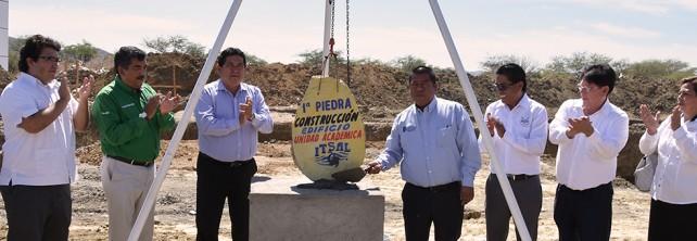 SE COLOCA LA PRIMERA PIEDRA PARA LA CONSTRUCCIÓN  DE LA UNIDAD ACADÉMICA DEPARTAMENTAL EN EL ITSAL